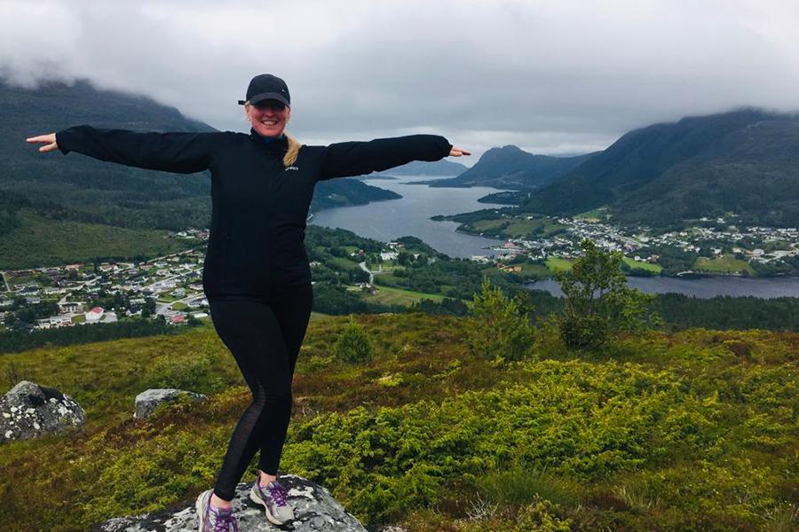 Absolventin des Masterstudium Crossmediale Marketingkommunikation Elin Baranyai-Ulvestad in ihrer Heimat Norwegen
